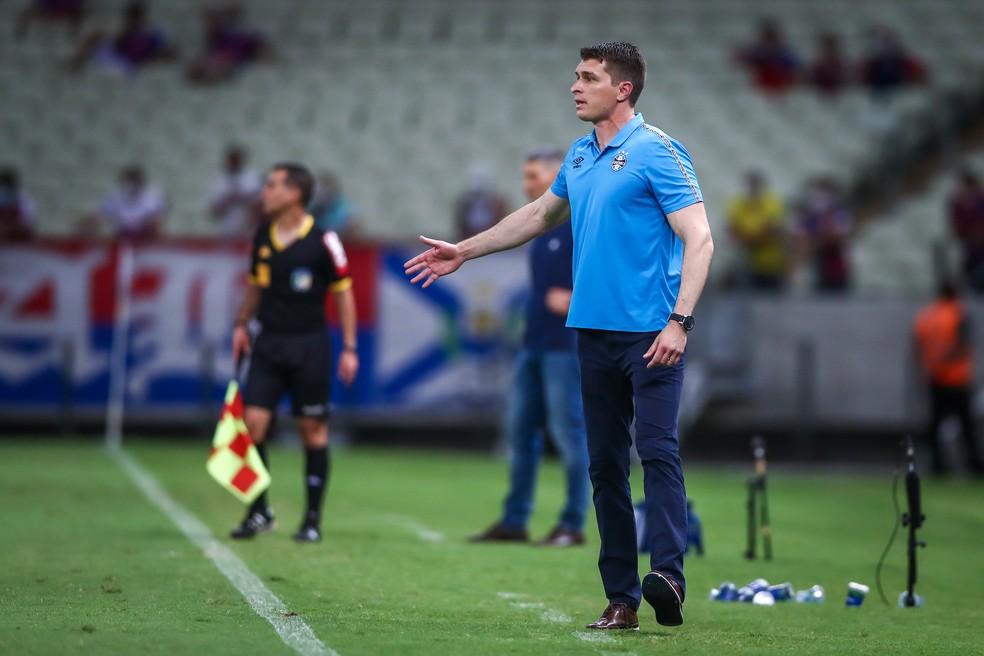 Thiago Gomes falou após a derrota para o Fortaleza — Foto: Lucas Uebel/Grêmio