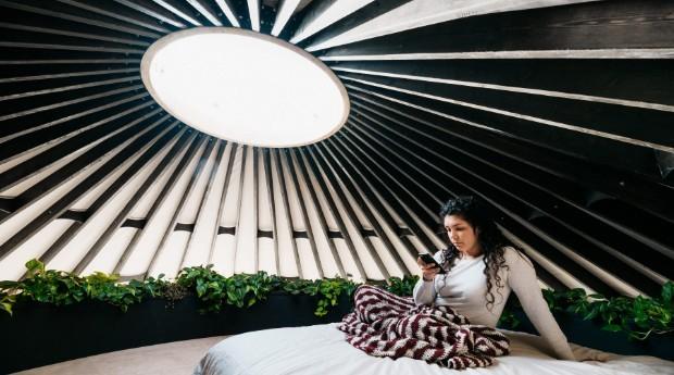 O quarto da cabana tem 18 metros quadrados (Foto: Divulgação)