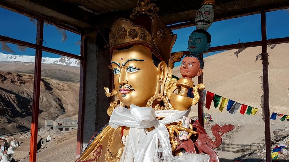 Estátua de Buda no vilarejo de Karzok, em Ladakh, na Índia (Foto: Rafael Miotto / G1)
