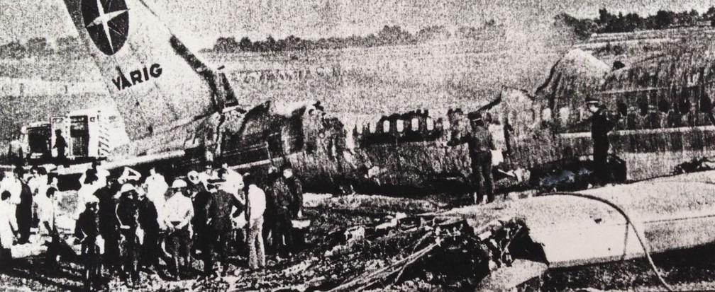 Fogo consumiu avião da Varig em acidente próximo ao aeroporto de Orly, periferia de Paris, em 1973 (Foto: Arquivo pessoal/Ricardo Trajano)