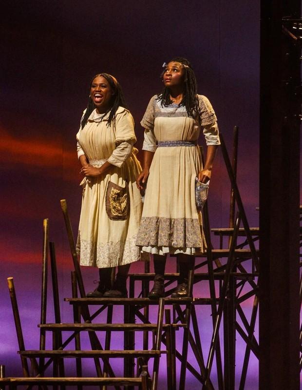 Musical 'A Cor Púrpura' emociona com história de superação por ...