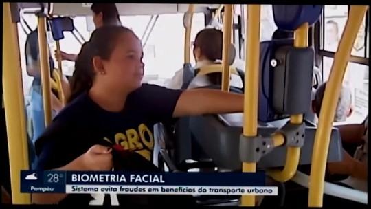 Usuários de ônibus com descontos ou isenção são identificados por fotos em Araxá