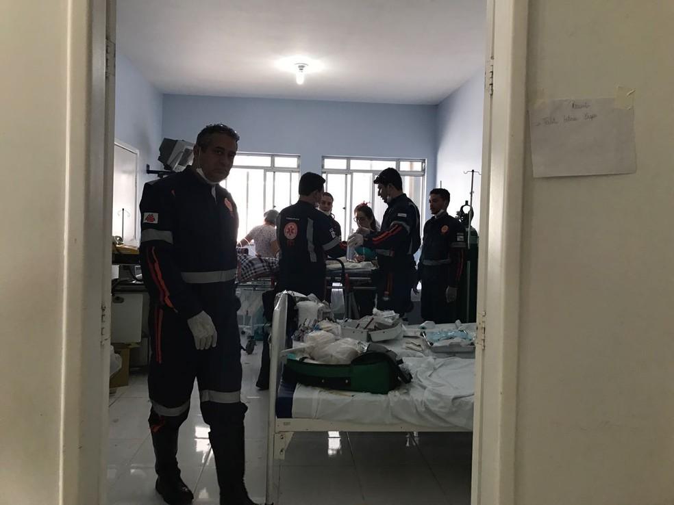 Atendimento a vítimas do incêndio em creche de Janaúba (Foto: Hospital Regional de Janaúba/Divulgação)