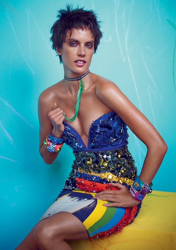 De peruca curta em foto de Mariano Vivanco para a Vogue Brasil de março de 2014 (Foto: Ellen Von Unwerth/arquivo Vogue, Mariano Vivanco/arquivo Vogue, Capas Vogue Brasil/Julho 2010, Dezembro 2011, Março 2013, Março 2014, Janeiro 2015, Abril 2016, Outubro 2016, Capa Vogue México/Setembro 2006 e Dezembro 2010, Capa Vogue Japão/Julho 2010, Cap)