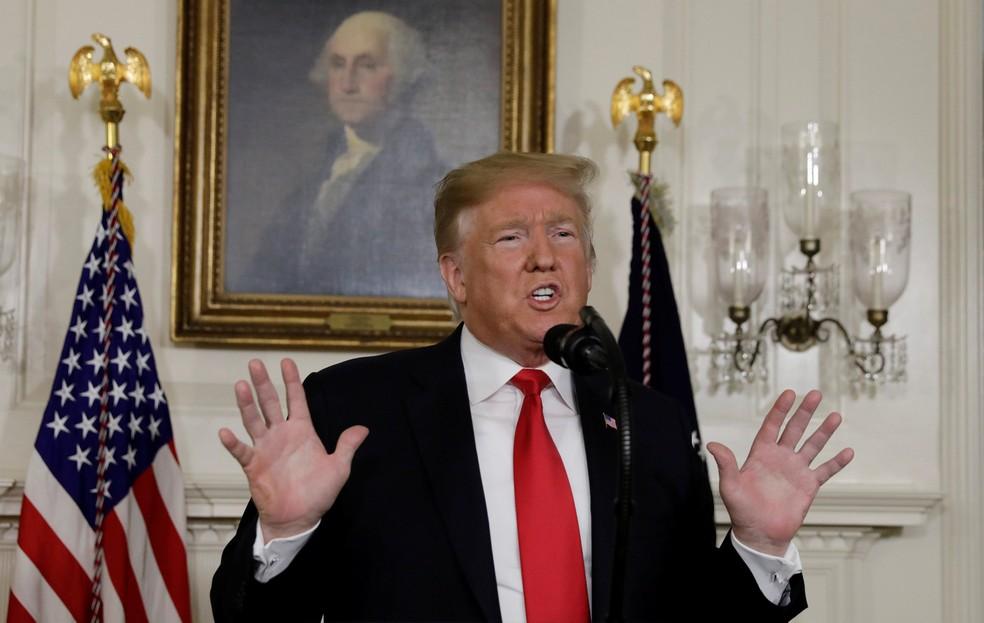 O presidente dos EUA, Donald Trump, durante pronunciamento sobre sua proposta para a fronteira com o México, na Casa Branca, no sábado (19) — Foto: Yuri Gripas/Reuters