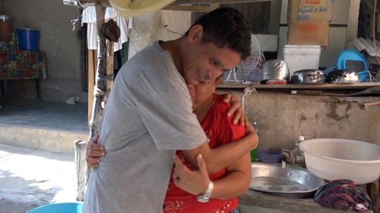 'Lar Doce Lar' do vendedor de balas Danilo emociona as redes sociais