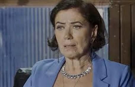 Na sexta-feira (12),  com medo das ameaças aos guardiões, Valentina (Lilia Cabral) decidirá tirar Gabriel (Bruno Gagliasso) do hospital e levá-lo para o casarão TV Globo