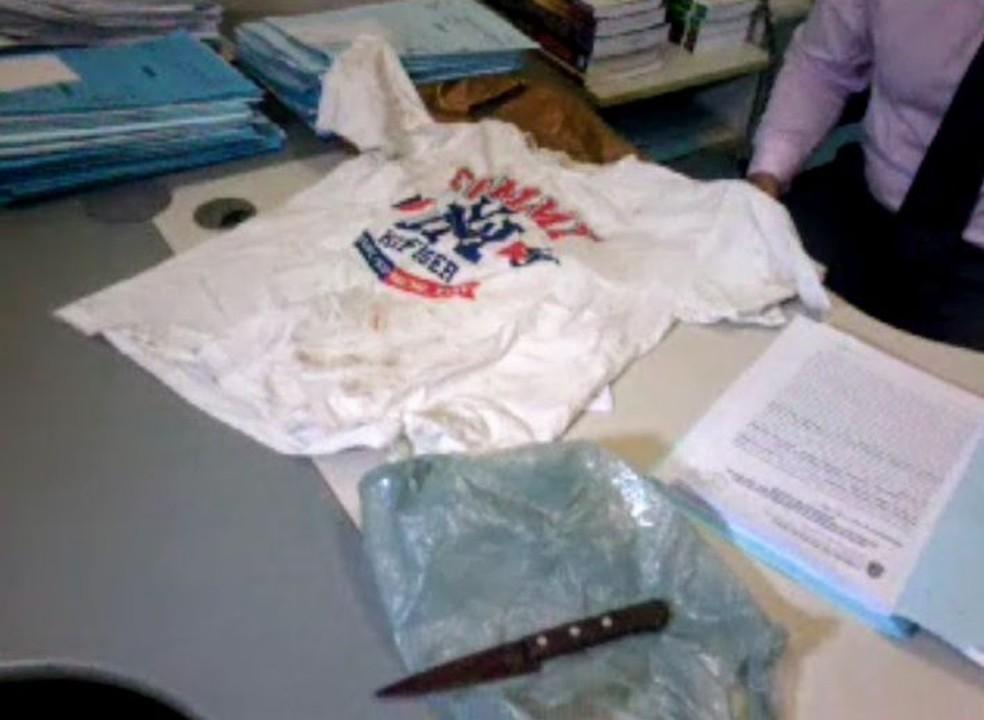 Arma usada no crime foi apreendida pela polícia (Foto: Reprodução/TVM)