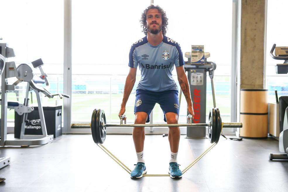 Galhardo herda posição de Leonardo — Foto: Lucas Uebel/Grêmio