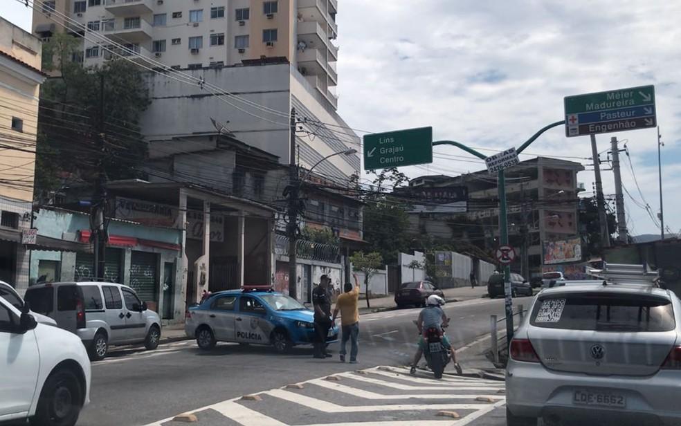 Rua próxima ao local do crime (Foto: Henrique Coelho/G1)