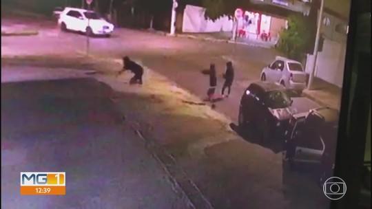 Câmera de segurança flagra assassinato na Região do Barreiro, em Belo Horizonte