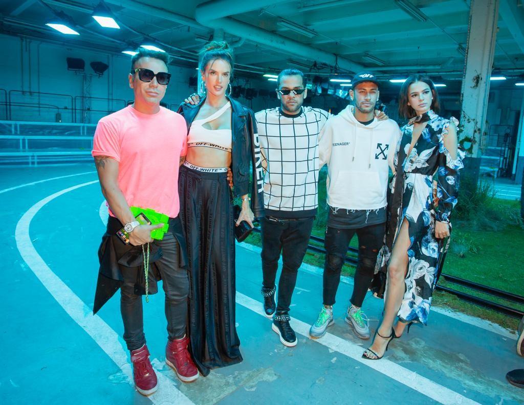 Matheus Mazzafera, Alessandra Ambrósio, Daniel Alves, Neymar Jr e Bruna Marquezine (Foto: Divulgação)