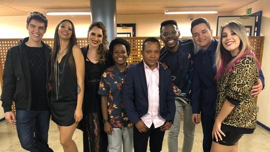 Semifinalistas do 'The Voice Brasil' se emocionam após apresentações; assista