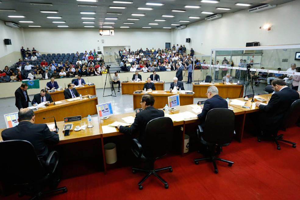 Câmara de Maringá aprova projeto de lei que prevê retoamda de eleições para direitores de escolas municipais (Foto: Câmara Municipal de Maringá/Divulgação)