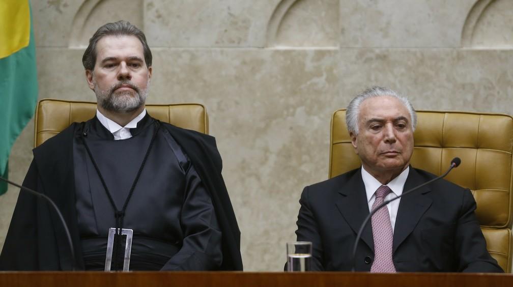 Ministro Dias Toffoli ao lado do presidente Michel Temer, durante cerimônia de posse como presidente do STF — Foto: DIDA SAMPAIO/ESTADÃO CONTEÚDO