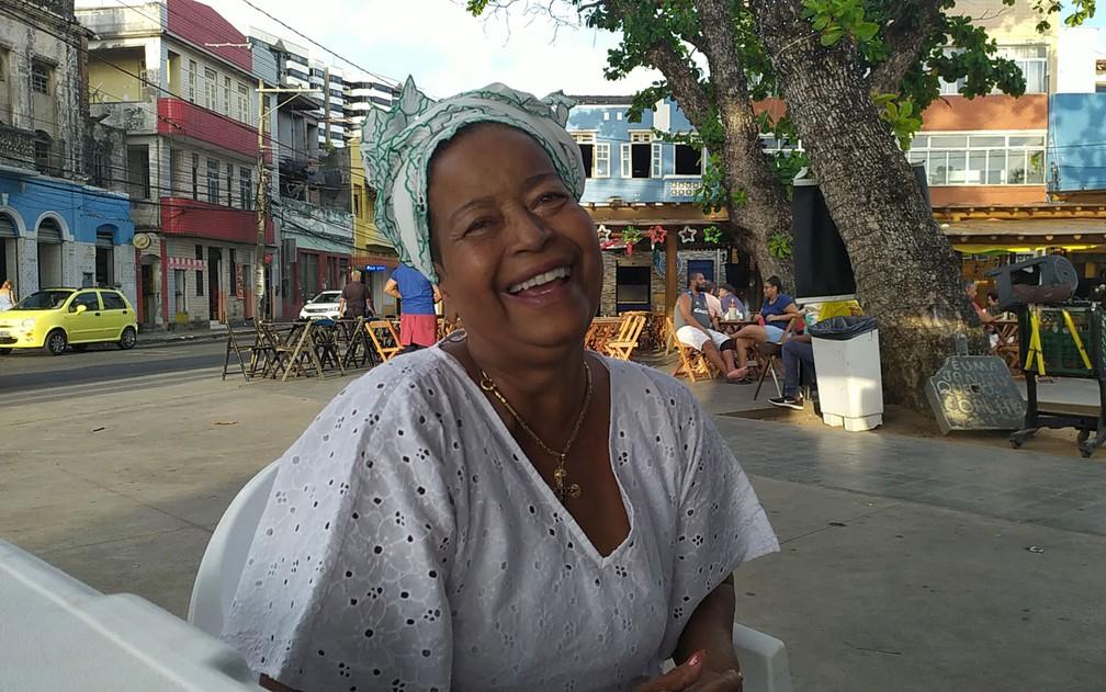 Jaciara de Jesus, mais conhecida como Cira do Acarajé, morreu nesta sexta-feira, em Salvador — Foto: Maiana Belo/G1