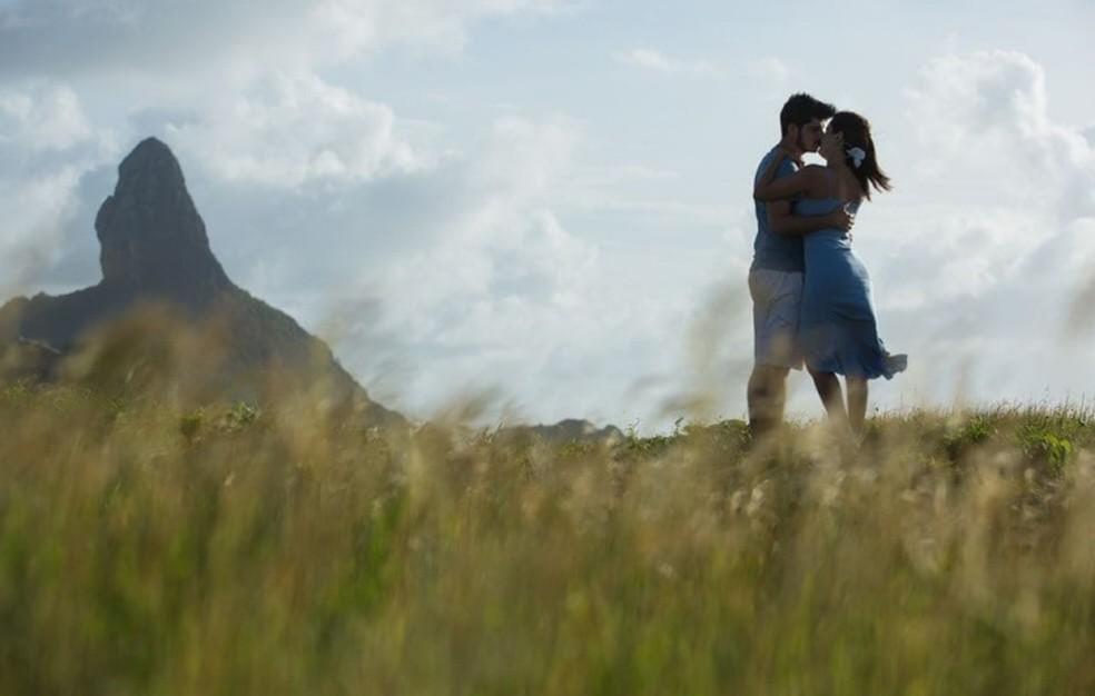 Antônio e Ayla escolheram Noronha para as fotos  (Foto: Michele Roth )