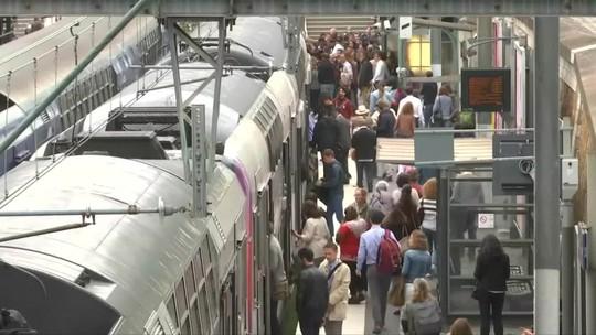 Greve nos transportes causa transtornos em Paris