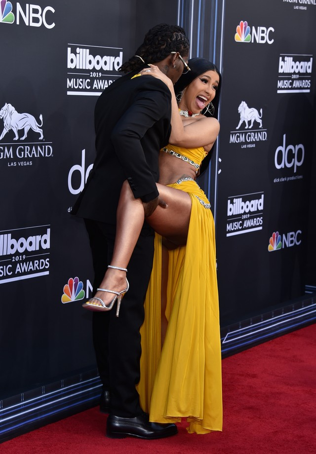 Offset Cardi B Um Yeah Instrumental: Ops! Cardi B Mostra Demais No Billboard Music Awards