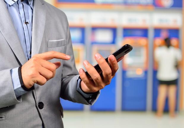 Fintechs e bancos investem em tecnologia para facilitar envio de dinheiro para o exterior (Foto: Deposit Photos)