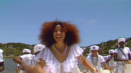 Há exatos 30 anos, Brasil se despedia da cantora mineira Clara Nunes