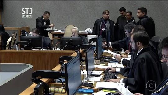 Lula tem pena reduzida pelo STJ no caso do triplex no Guarujá