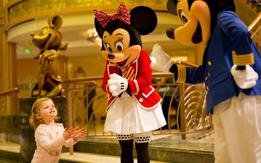 É possível encontrar Mickey Mouse e Minnie Mouse no navio Disney Dream