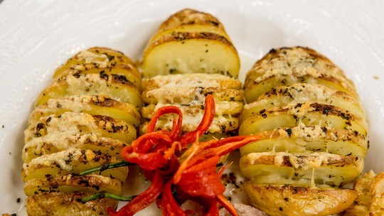 Batata Hasselback do chef Roberto Ravioli
