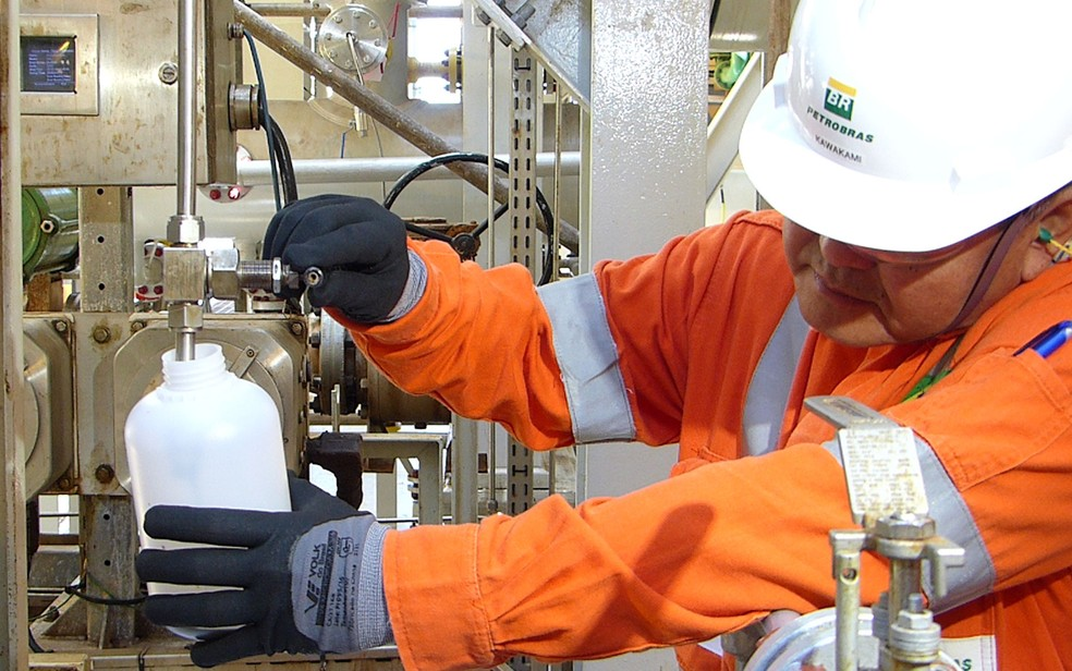 Produção em plataforma do pré-sal da Petrobras  (Foto: Daniel Silveira/G1)
