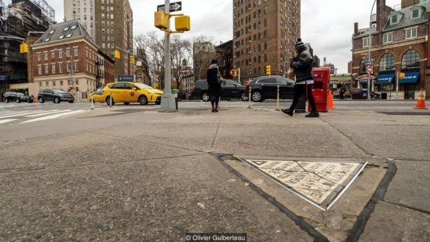 No início do século 20, Nova York decretou uma ordem de domínio eminente para ampliar a Sétima Avenida até o Greenwich Village (Foto: OLIVIER GUIBERTEAU, via BBC News Brasil)