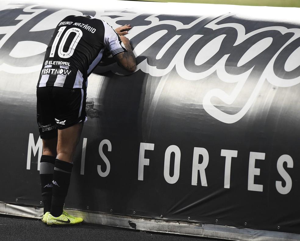 Bruno Nazario em Botafogo x Atlético-GO — Foto: André Durão/ge