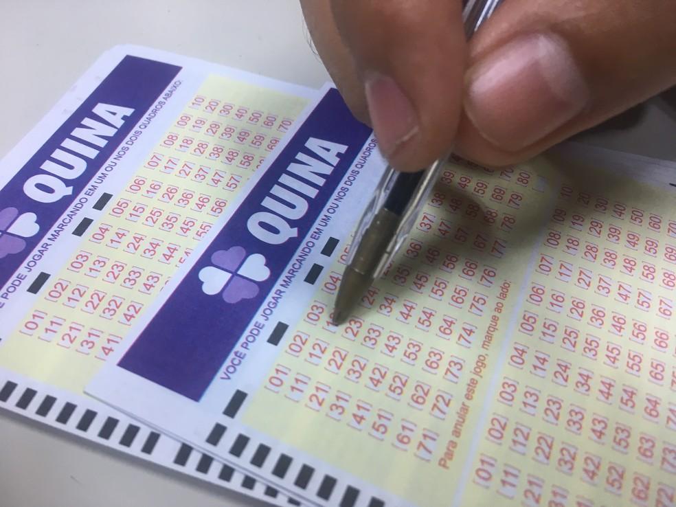 Aposta de Guarapuava leva quase R$ 1 milhão na Quina — Foto: Stephanie Fonseca/G1