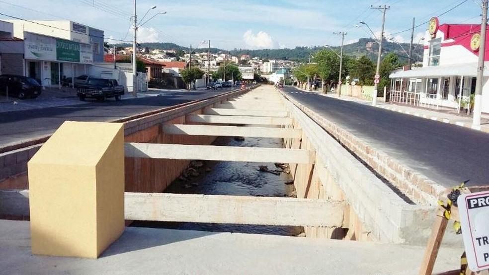 Avenida foi reconstruída logo após o início da nova gestão na prefeitura em 2017 — Foto: Divulgação/Prefeitura de São Roque
