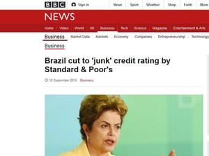 Portal da rede BBC destaca rebaixamento da nota brasileira (Foto: Reprodução/BBC)