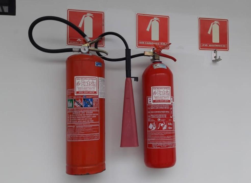 Rede de saúde do DF está com extintores vencidos desde 2015 segundo o secretário da pasta — Foto: Luana Almeida/G1