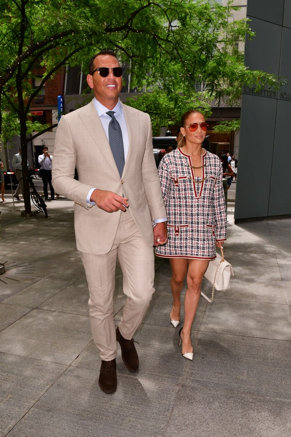 NEW YORK, NY - AUGUST 17:  Alex Rodriguez and Jennifer Lopez seen on the streets of Midtown Manhattan on August 17, 2018 in New York City.  (Photo by James Devaney/GC Images) (Foto: GC Images)