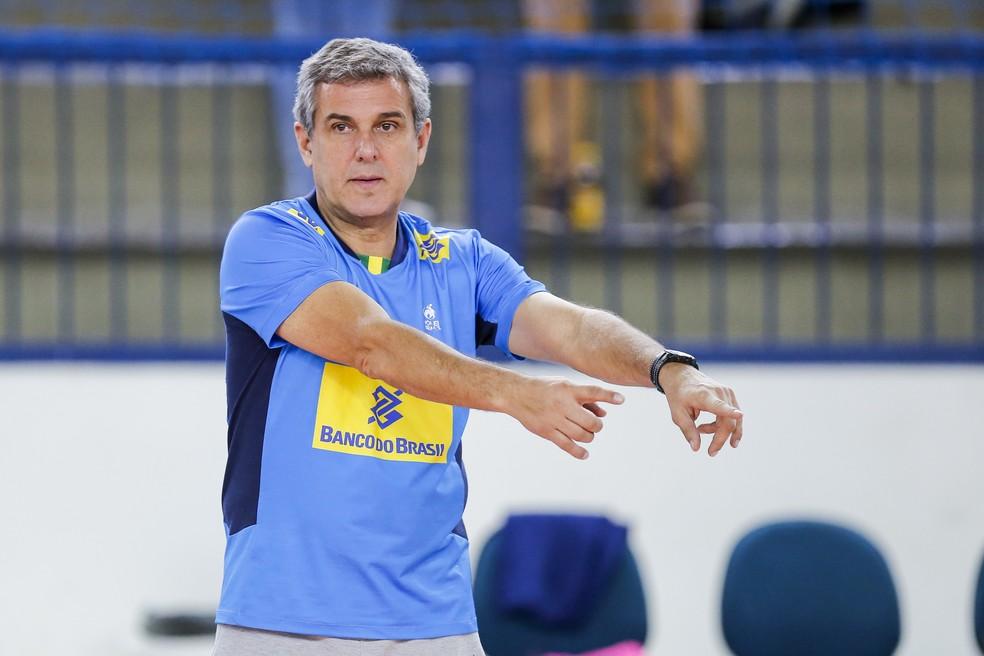 Zé Roberto Guimarães vai comandar 17 jogadoras no Grand Prix (Foto: Leandro Martins/MPIX/CBV)