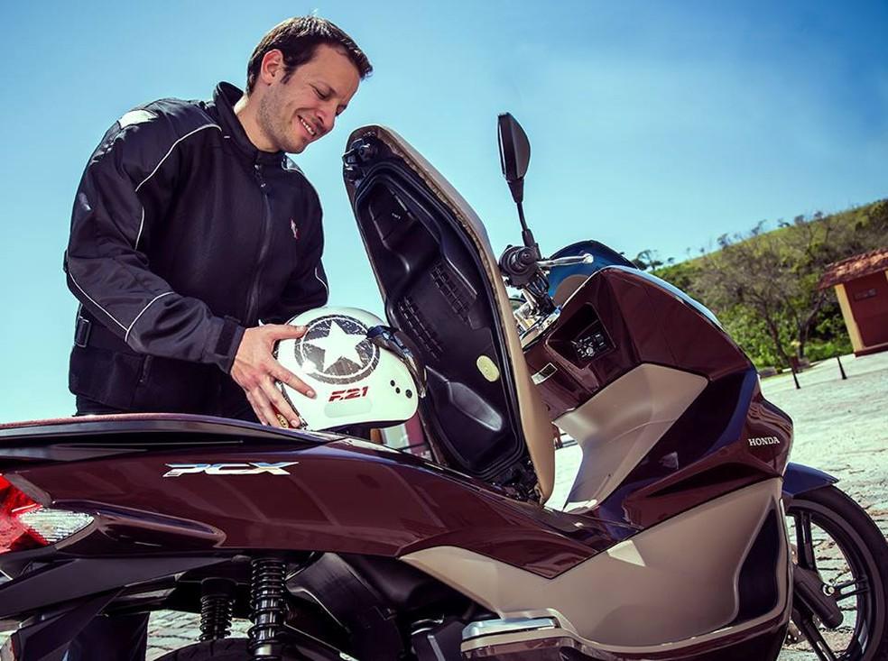 Guarde o capacete sempre em local apropriado, isso fará com que ele tenha maior durabilidade. Foto divulgação Honda. (Foto: Divulgação Sanmell Motos)