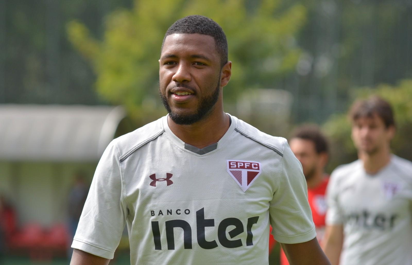 Empresário revela que Jucilei está na mira de outros clubes, diz André Hernan