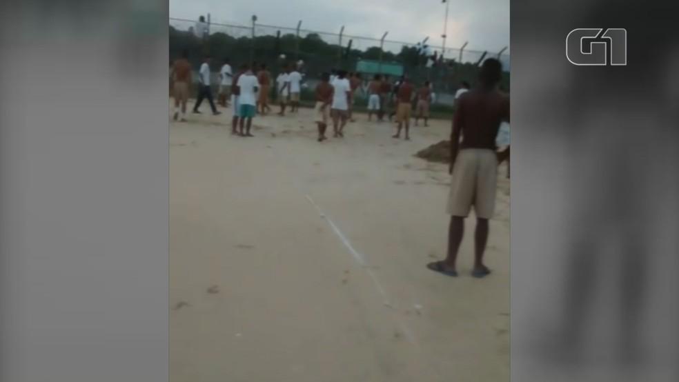Preso grava fuga de detentos de dentro de presídio em Mongaguá, SP — Foto: G1 Santos