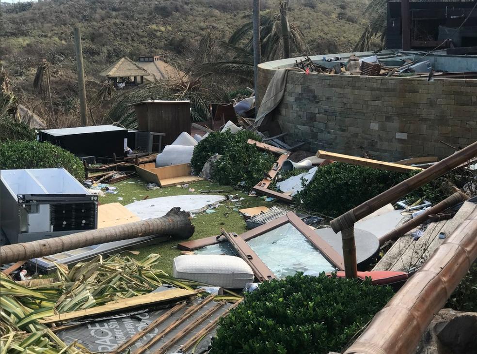 Destruição causada pelo furacão Irma em ilha do Caribe (Foto: Reprodução/Twitter)