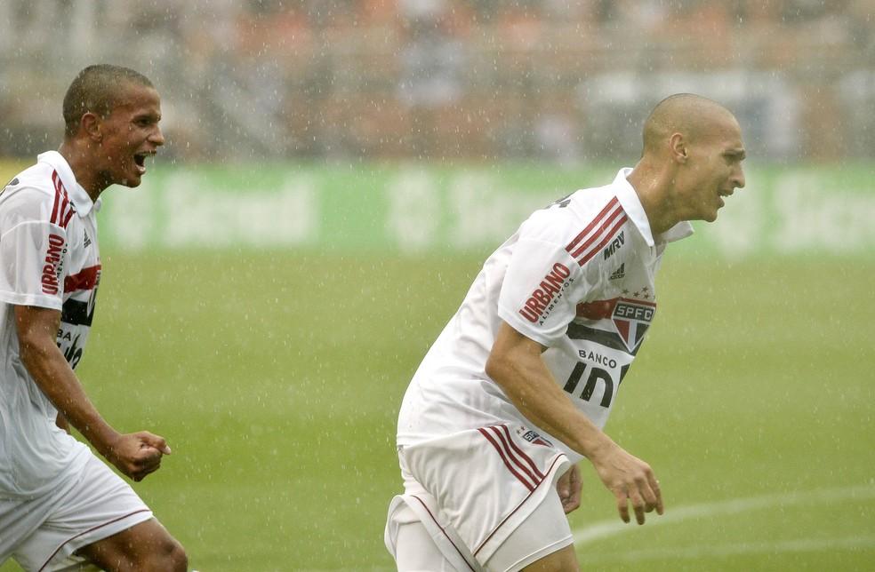 Antony chora ao comemorar gol do São Paulo na final da Copinha contra o Vasco — Foto: Marcos Ribolli