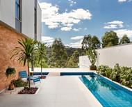 Área de lazer com piscina: 10 projetos para se inspirar!