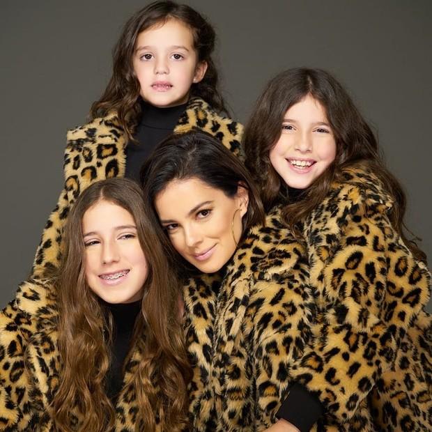 Vera Viel com as filhas (Foto: Lu Monteiro/Divulgação)