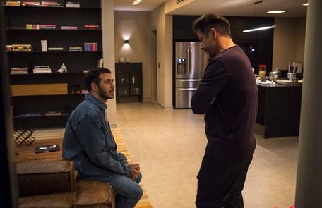 Na quinta, 9, Vinícius (Antonio Benício), filho de Raul (Murilo Benício) e Lídia (Malu Galli), chega ao Brasil Reprodução/TV Globo