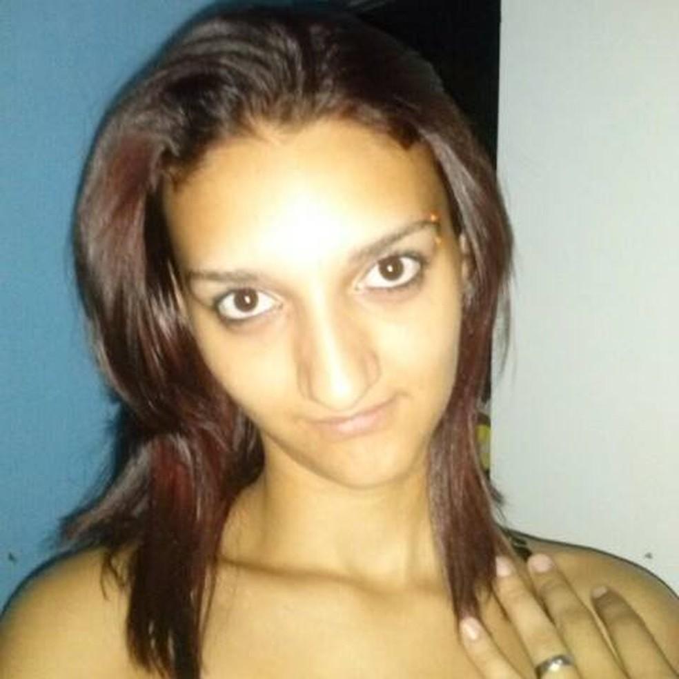 Amanda Luana do Santos, de 21 anos, foi morta dentro de casa (Foto: Arquivo pessoal)
