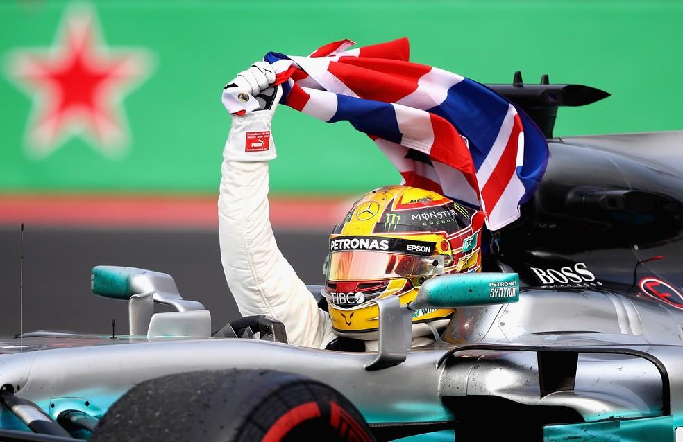 Aos 33 anos, Hamilton já é um dos mais vitoriosos da história da F1 (Foto: Getty Images)
