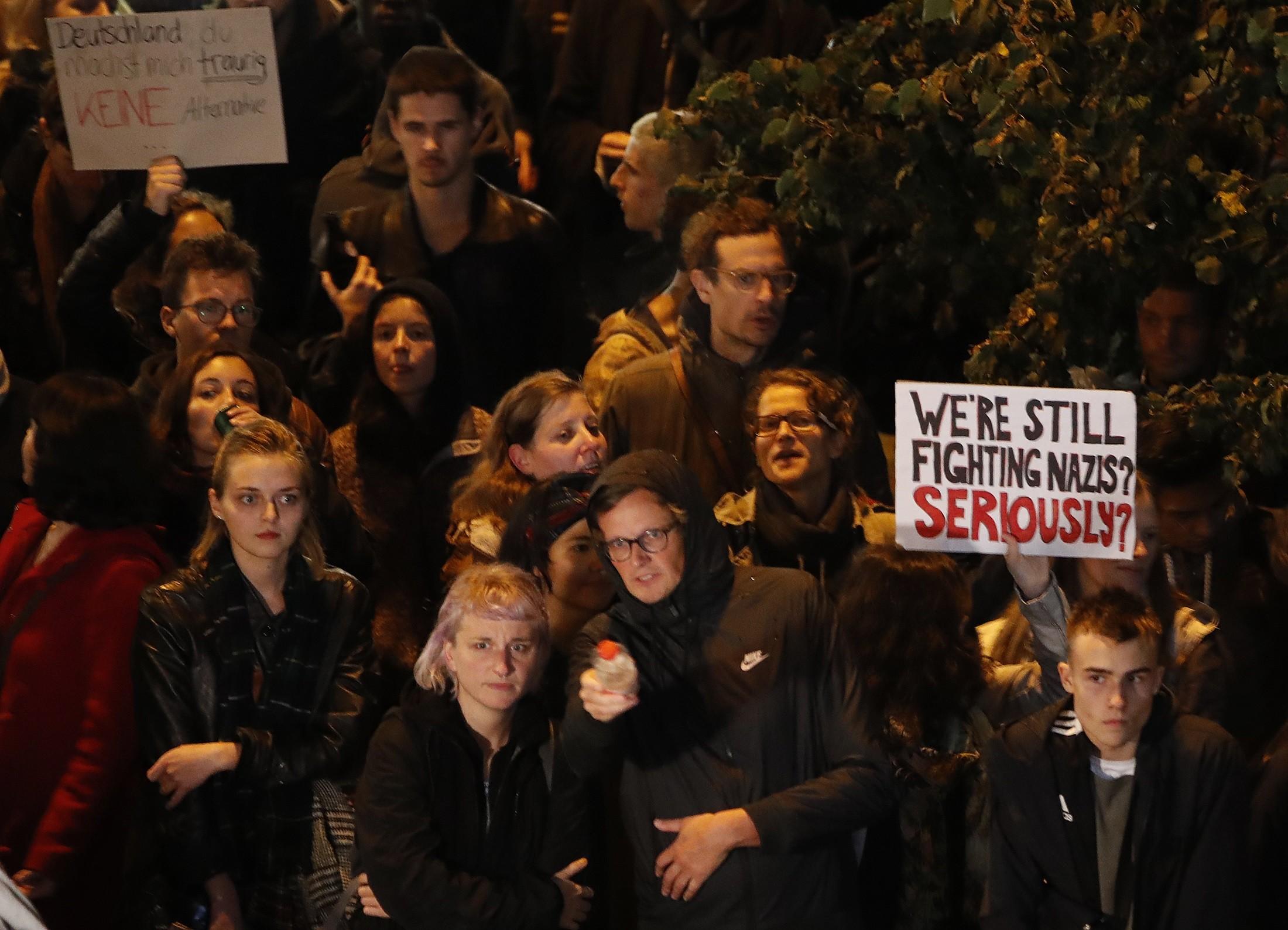 Protestos contra partido Alternativa para a Alemanha marcam final de eleição federal alemã