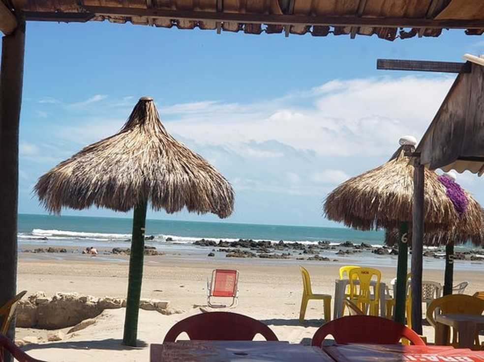 Barracas na orla de Areia Branca foram embargadas pela SPU — Foto: Divulgação/Prefeitura de Areia Branca