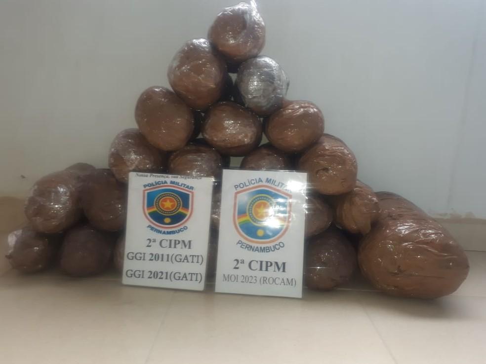 2ª CIPM apreende 26 kg de maconha em Orocó  — Foto: Divulgação/ 2ªCIPM
